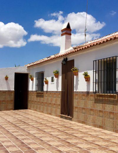 casa-rural-el-naranjo-antequera-fachada (1)